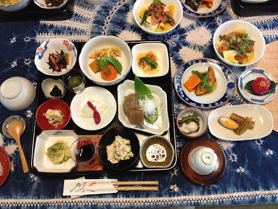 旧大内邸の「母の膳」お料理の例です。季節や時期によって内容は異なります。