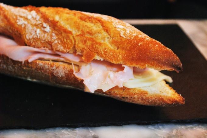 jCCsCae7RwCDOKTCA2Ji_reggeli - sonkás szendvics